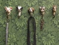 WILDLIFE GARDEN - Handgeschnitzter Haken – Hund - Wandhaken aus Holz